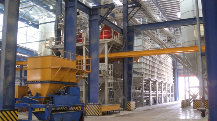 Mixing plant for precast production