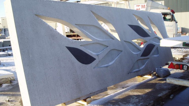 Architectural concrete facade element