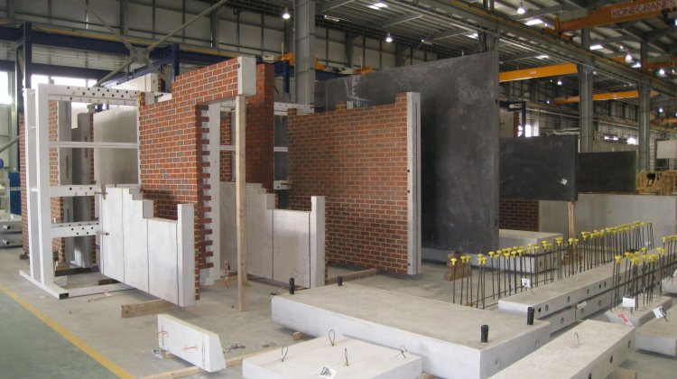 Precast concrete facade and wall elements